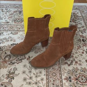 Circa Tan Chelsea Heeled Ankle Boot Size 9